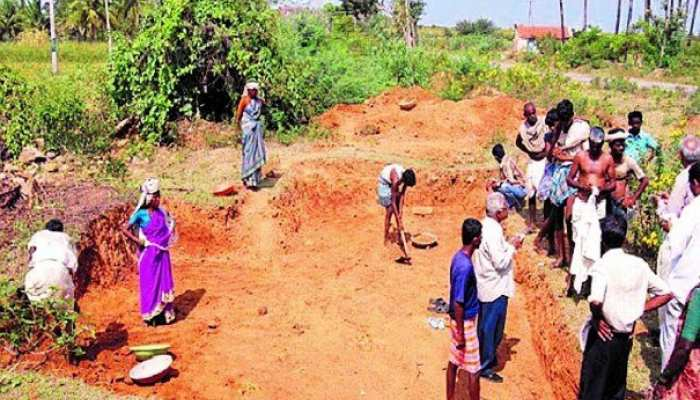 मनरेगा में 10 दिनों में मजदूरों के बैंक खाते में जमा हुई 700 करोड़ की धनराशि
