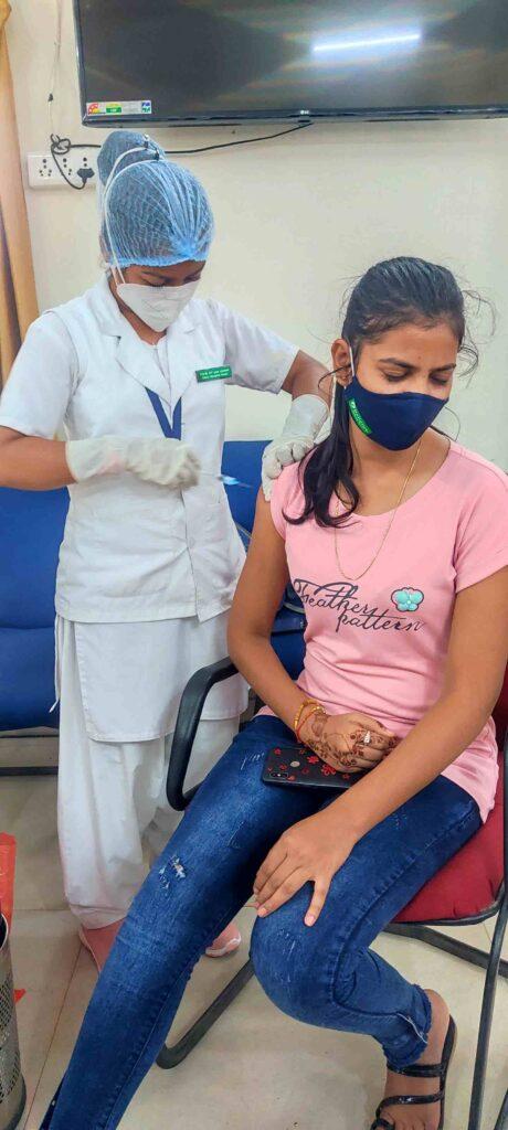 Seoni: जिले में 8 लाख 89 हजार 225 व्यक्तियों ने लगवाया वैक्सीन का प्रथम डोज